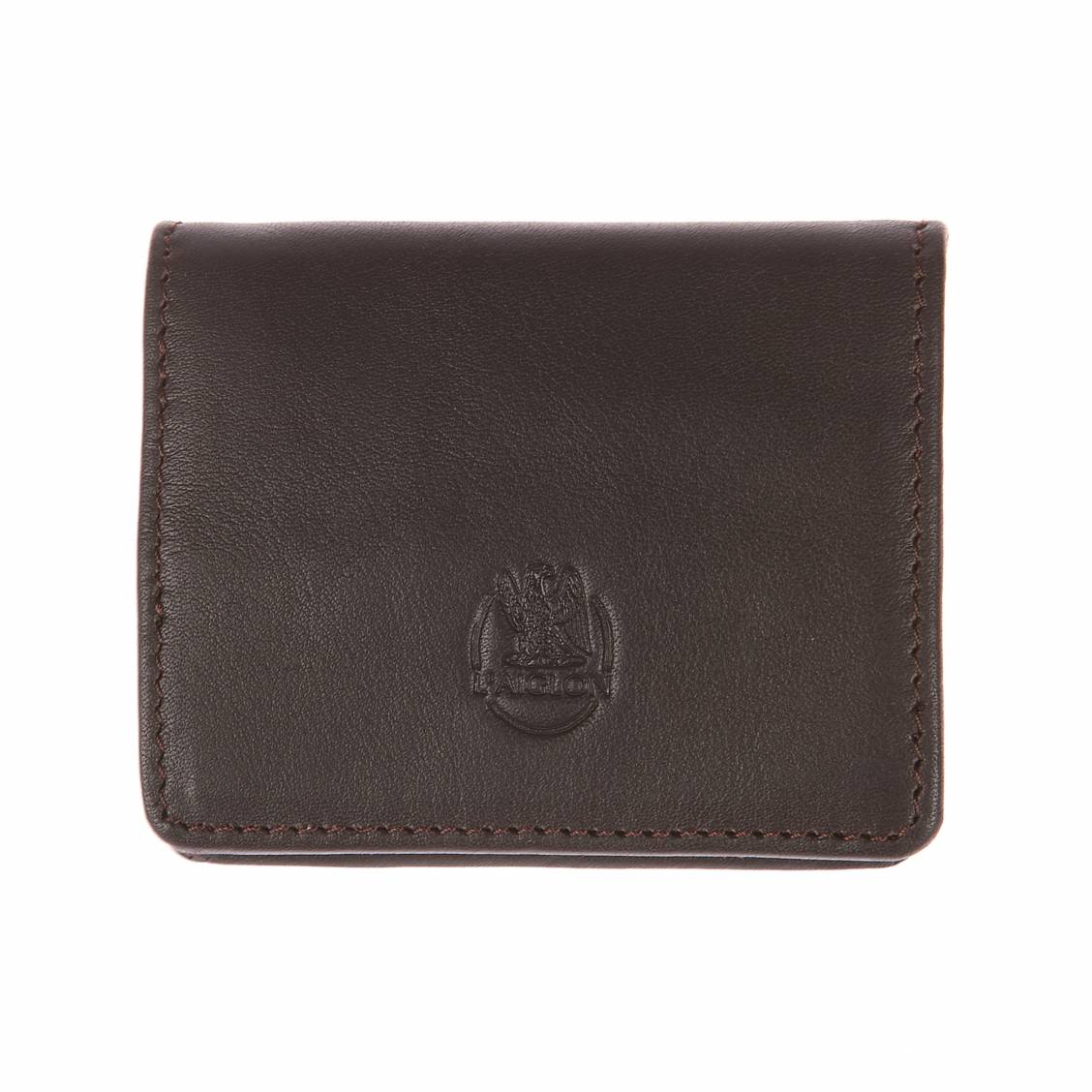 Porte-monnaie L'aiglon en cuir lisse marron. Cuir de veau (100%)MarronLogo de la marque gravé à l'avantFermeture par un bouton pression