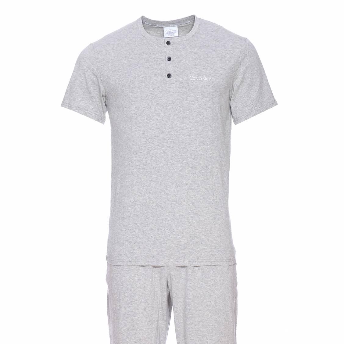 Pyjama long calvin klein en coton : tee-shirt manches courtes à col tunisien et pantalon gris