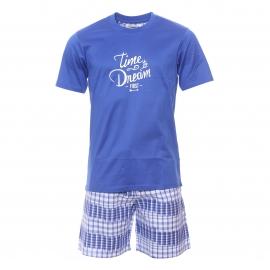 Pyjama court Christian Cane Newport : Tee-shirt col rond bleu dur floqué et short à carreaux blancs et bleu dur et rayures patinées