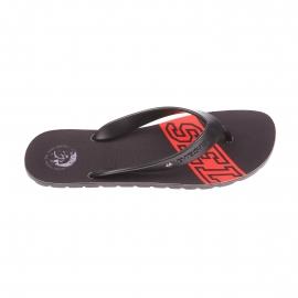Tongs Diesel noires monogrammées en rouge