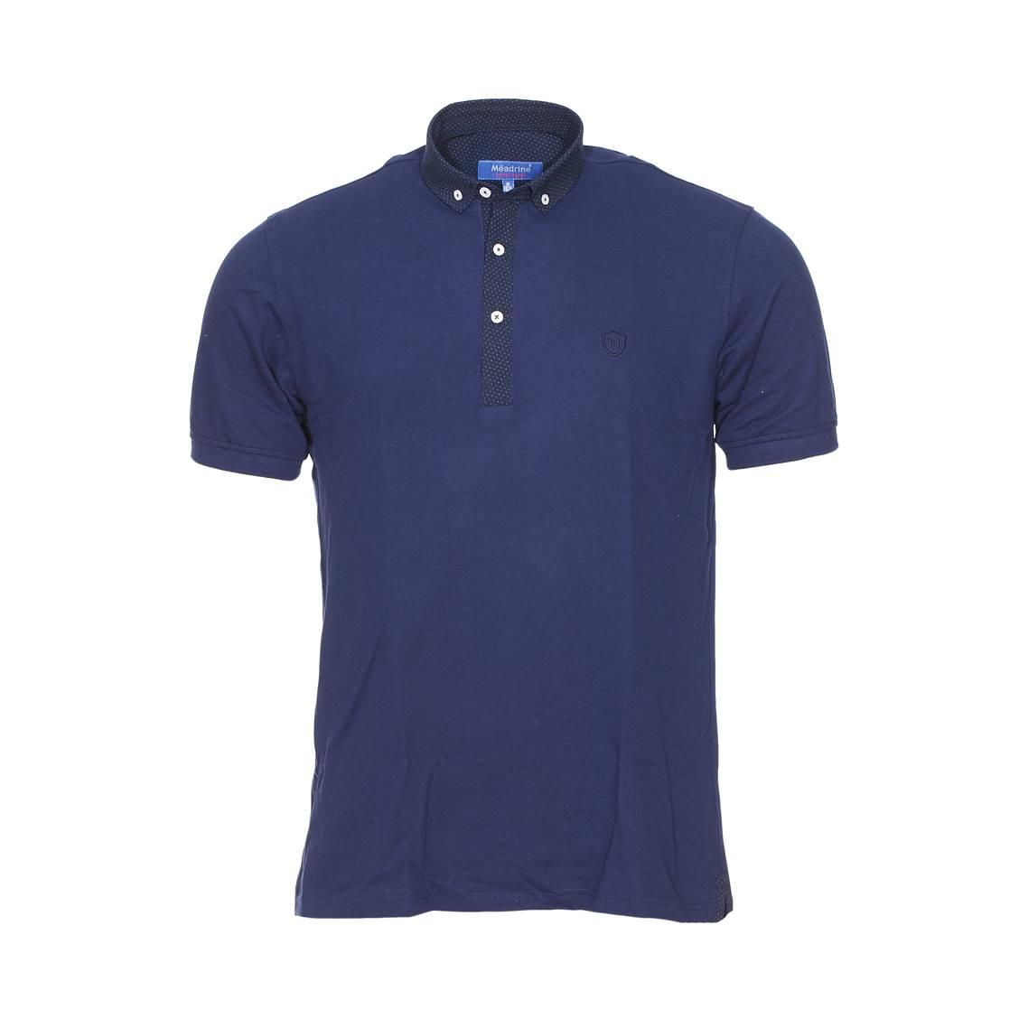 Polo Méadrine en maille piquée bleu marine, col noir à petit pois bleus