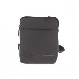 Petite sacoche plate Logan 2.0 Calvin Klein Jeans noire