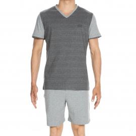 Pyjama court Charming Hom en jersey de coton : tee-shirt manches courtes, col V gris clair et gris foncé et bermuda gris clair