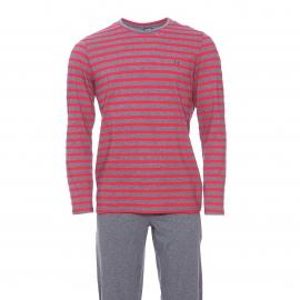 Pyjama long Charismatic Hom en jersey de coton : tee-shirt col V manches longues à rayures rouges et grises et pantalon gris