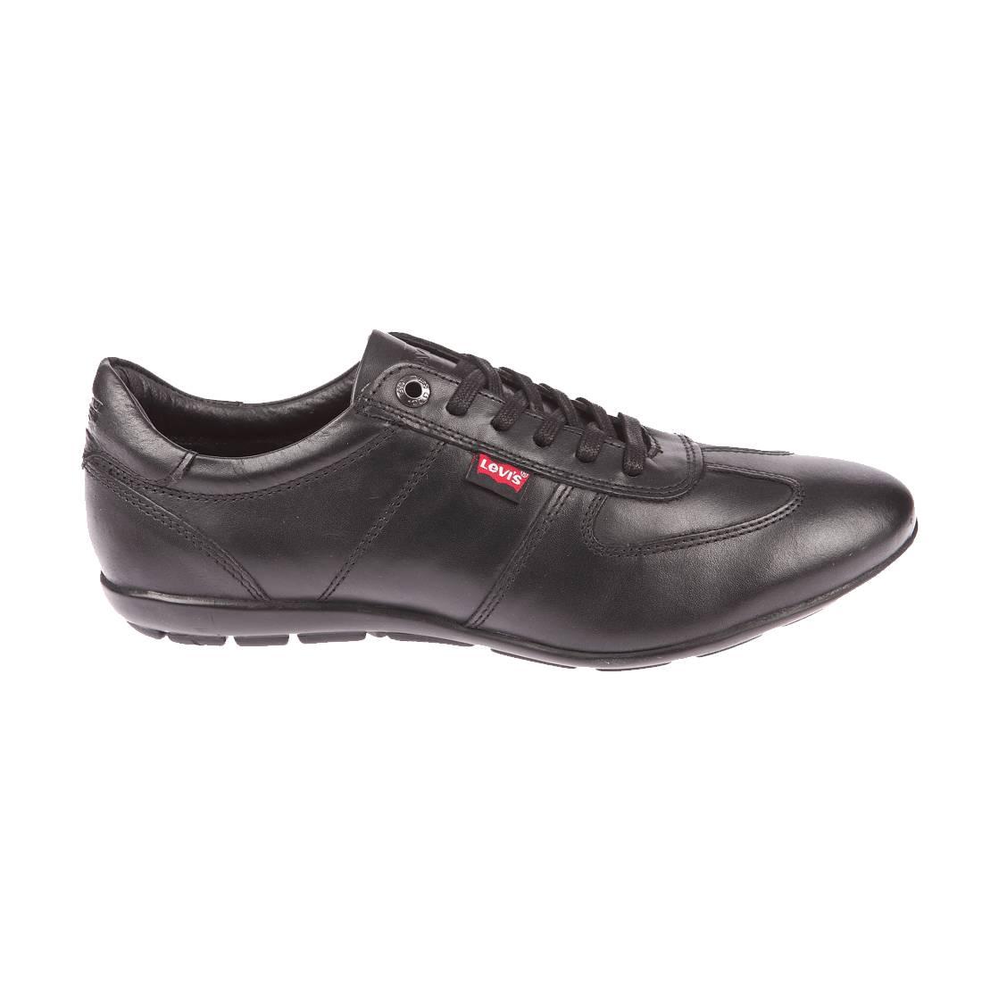 Baskets Chula Vista Levi's en cuir noir. Chaussures 100% cuir noir de LevisDans un style résolument urbain, ces chaussures 100% cuir noir de Le