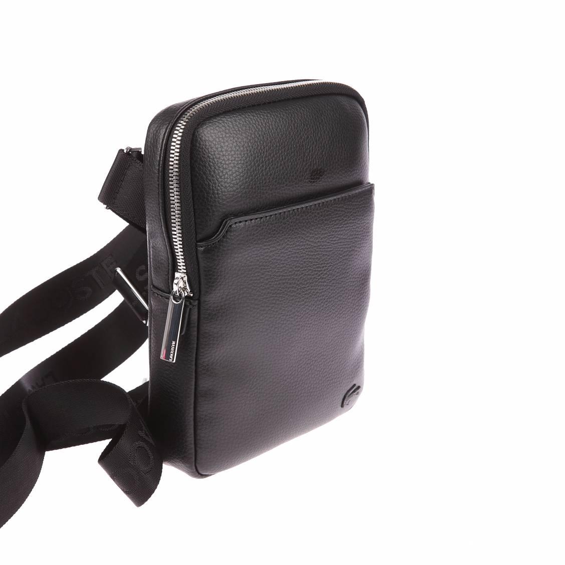 petite sacoche lacoste noire avec poche plaqu e l 39 avant rue des hommes. Black Bedroom Furniture Sets. Home Design Ideas