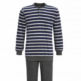 Pyjama forme jogging Ringella en coton bouclé : tee-shirt manches longues col tunisien à rayures gris clair, gris anthracite et bleu électrique, pantalon gris