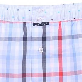 Caleçon club Arthur à carreaux bleu marine, bleu ciel, blancs et rouges, ceinture à fines rayures bleu ciel et blanches