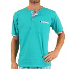Pyjama court Virage Christian Cane en coton : tee-shirt col tunisien bleu turquoise et bermuda à rayures bleu turquoise, gris clair, bleu marine et rouges,