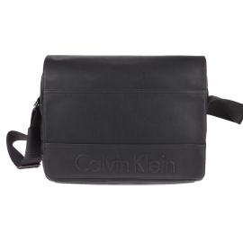 Besace Calvin Klein Jeans Bastian en simili cuir noir, logo Calvin Klein en relief