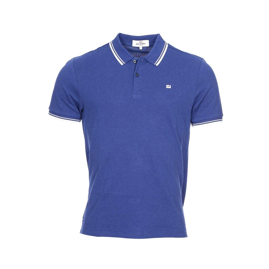 Polo  en piqué de coton bleu, col à bandes blanches