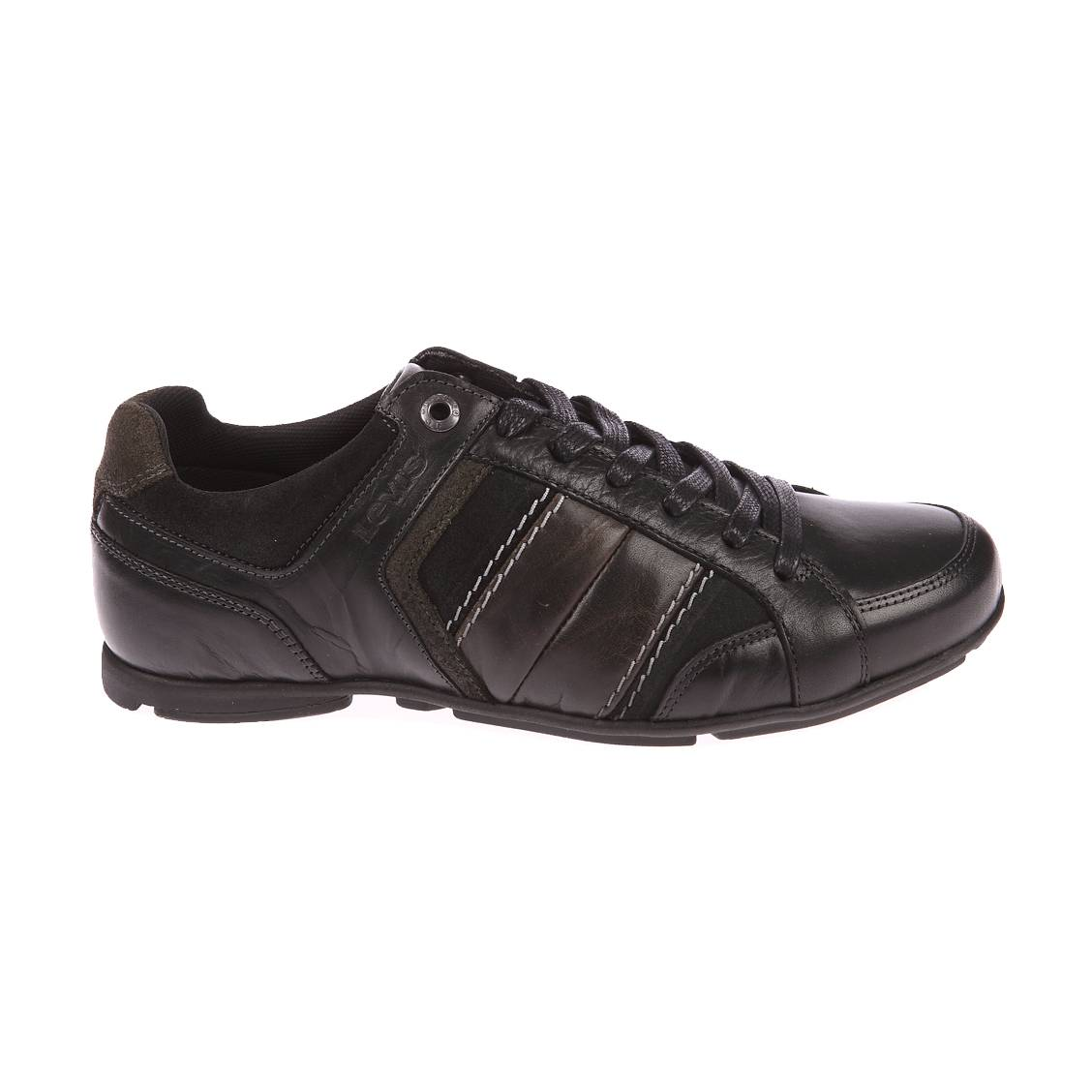 Chaussures Jenkks Levi's en cuir et empiècement nubuck. Chaussures Levi's- Cuir (100%)- Côté de la chaussure en cuir nubuck noir-