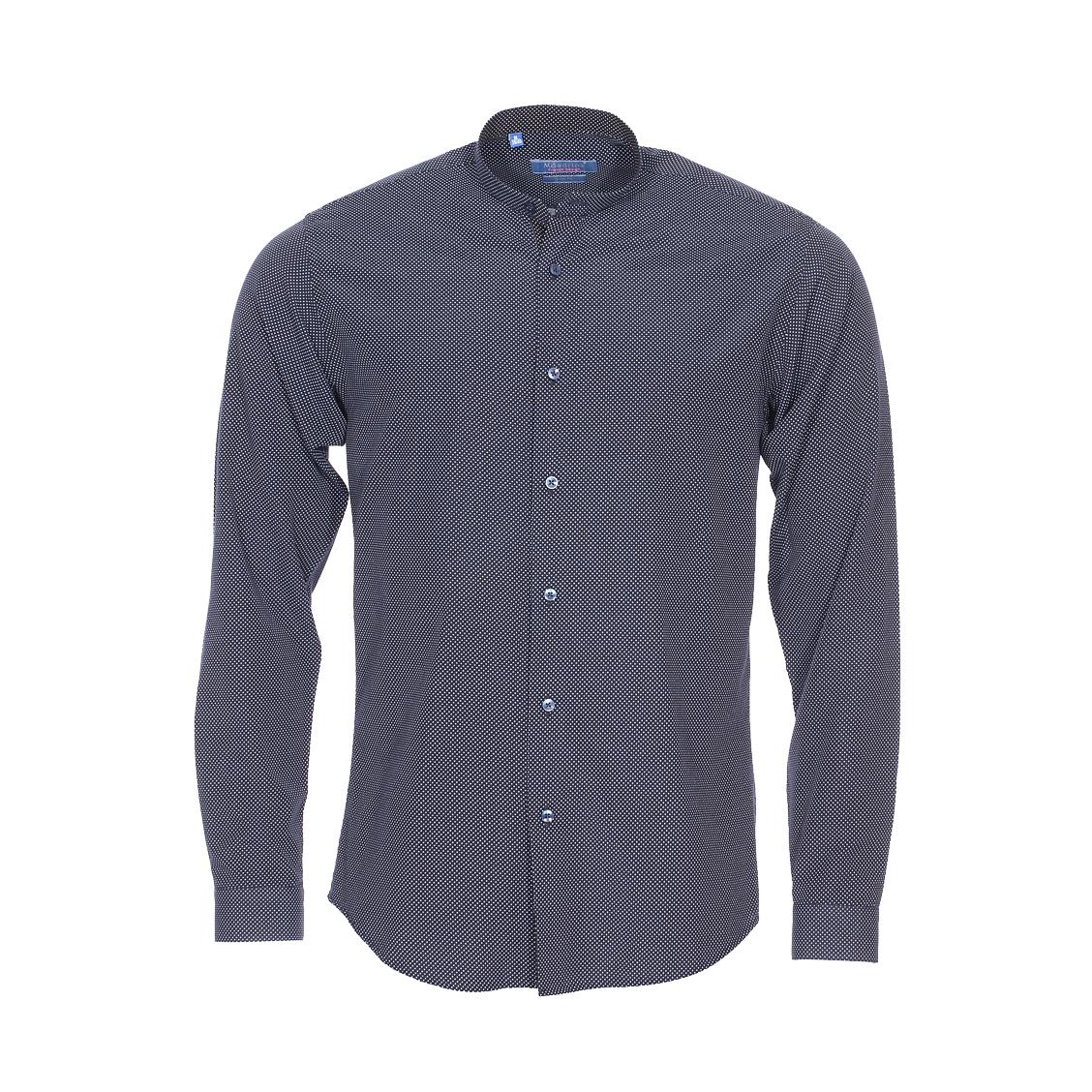 Chemise cintrée  en coton bleu marine à pois blancs et col mao