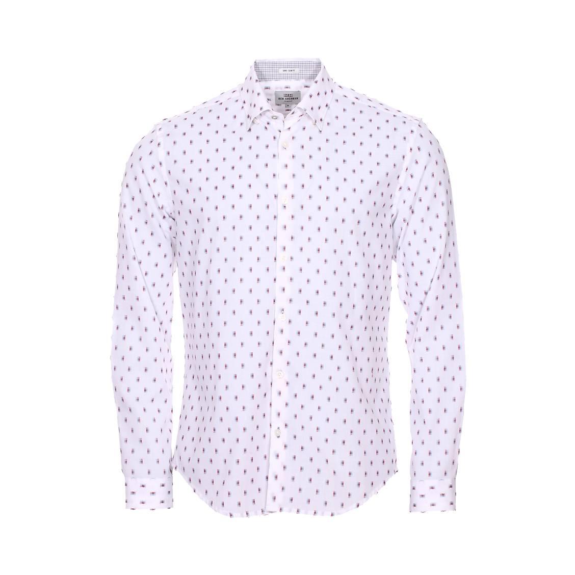Chemise cintrée  en coton blanc à motifs brodés bleus et rouges