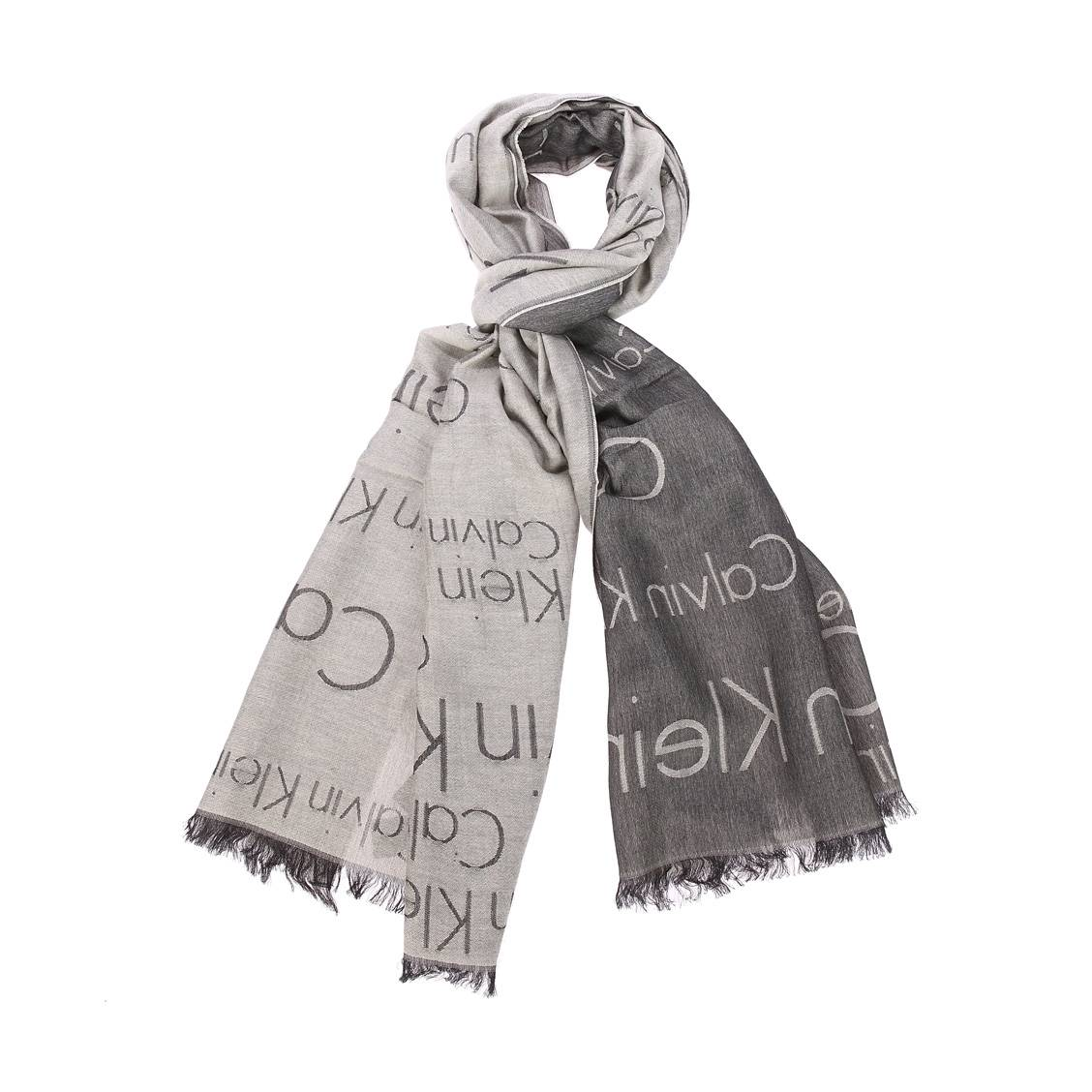 Chèche calvin klein logo ja en coton et modal gris chiné à motifs