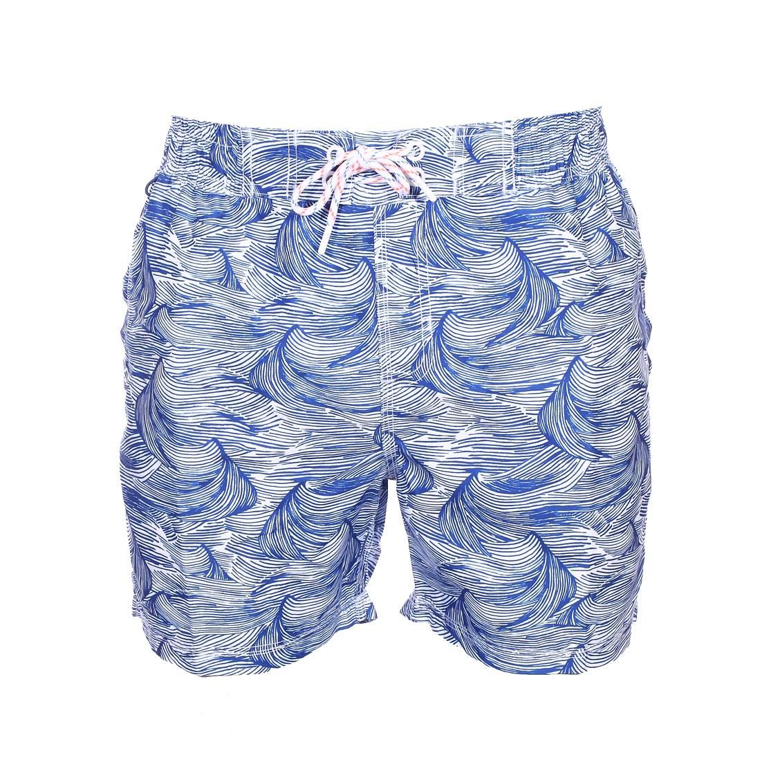 Short de bain Petrol Industries blanc à motifs vagues bleues