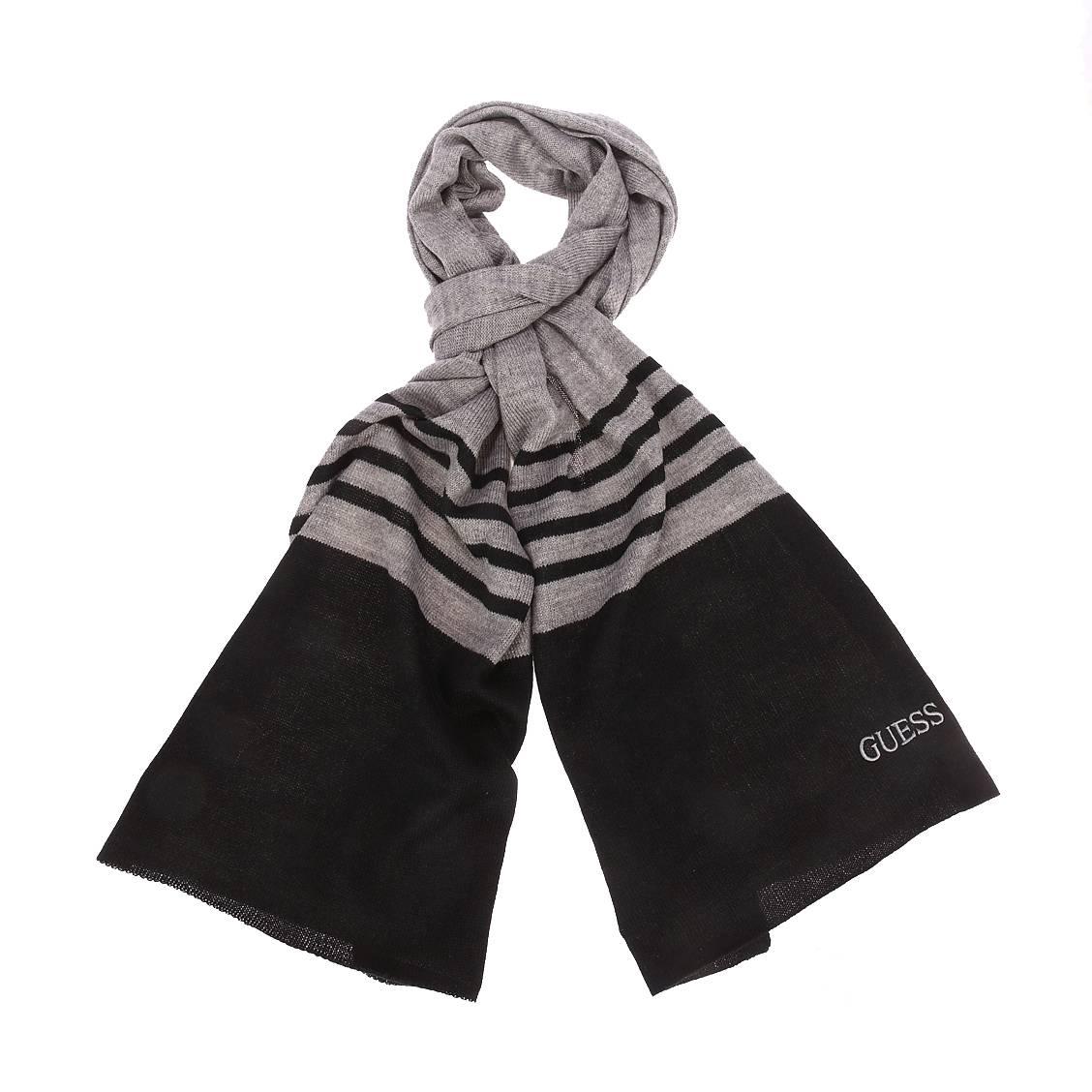 Echarpe  en laine mélangée gris foncé chiné à rayures bleu nuit brodé