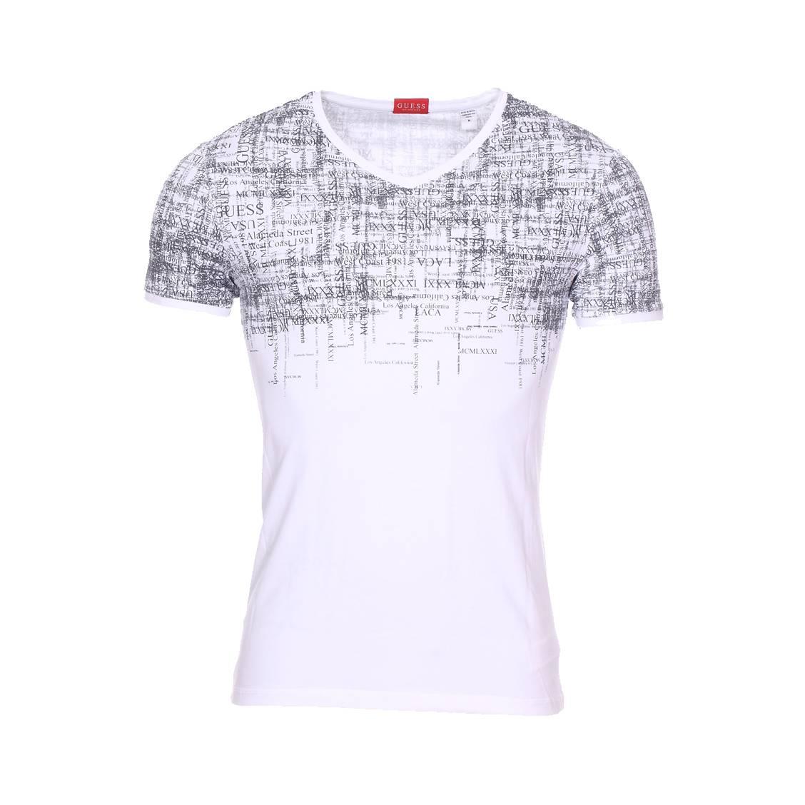 3646f75af13 Tee-shirt col V Guess en coton stretch blanc floqué ...