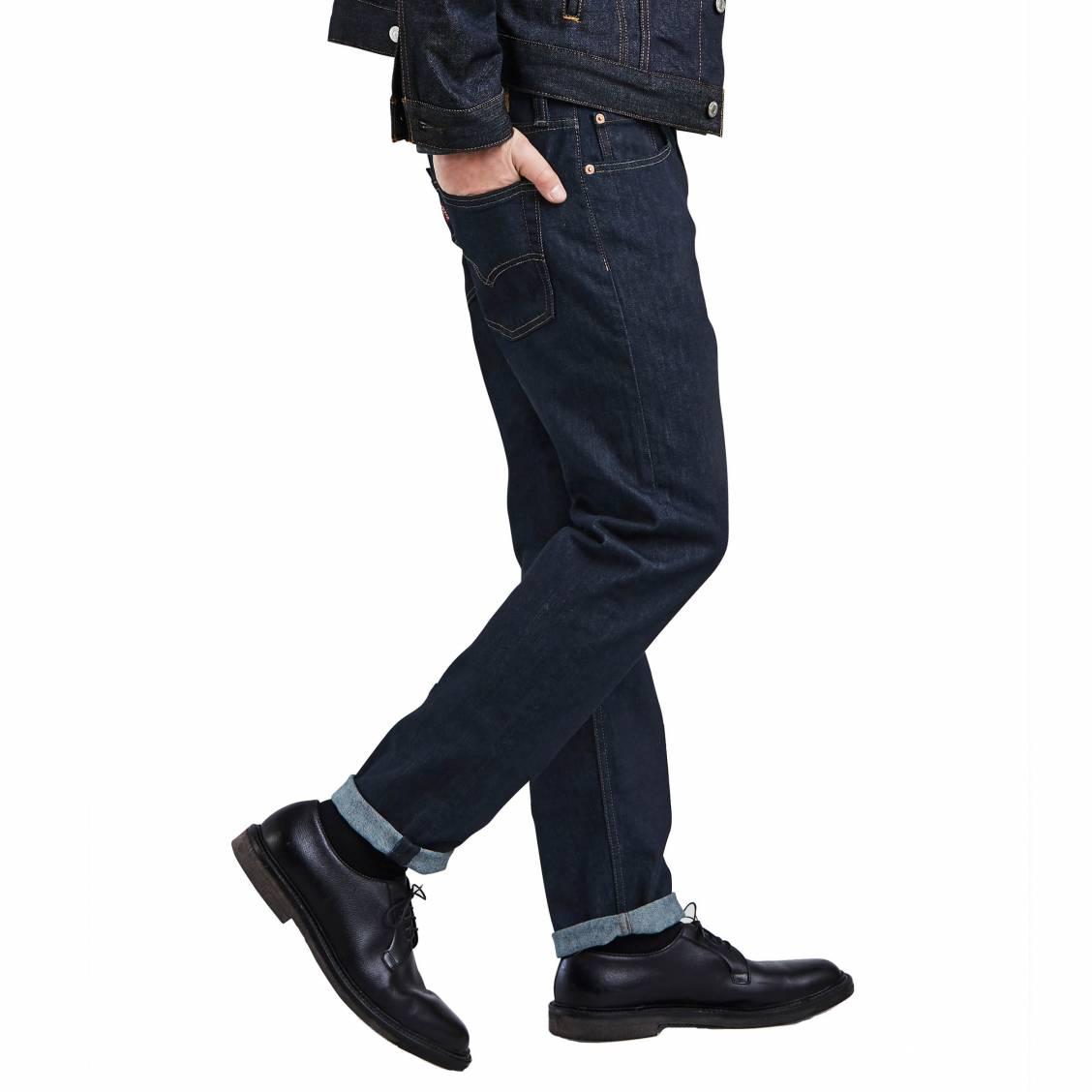 4e9ba4a7aede1 ... Jean Levi s 502 Regular Taper Midnight Carbon en coton stretch bleu  nuit ...