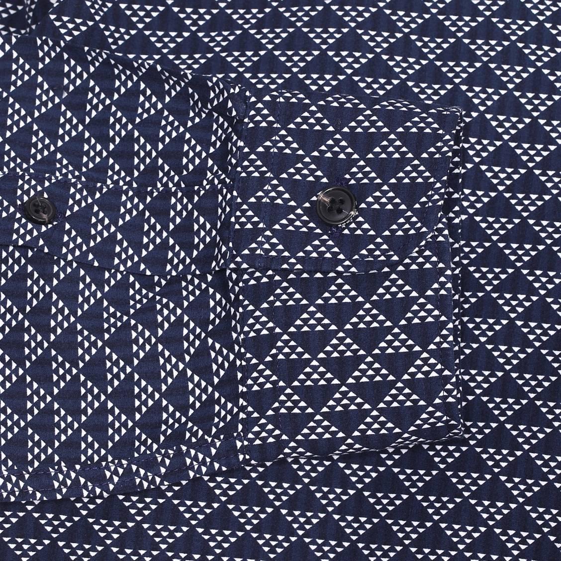 8708451c7de86 Chemise droite Scotch   Soda en coton bleu marine à triangles blancs ...