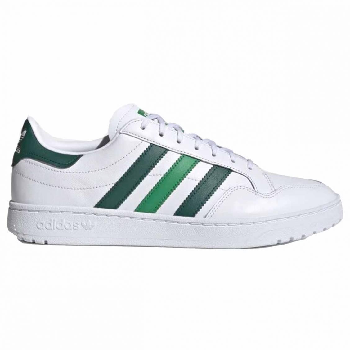 Baskets Adidas Original en cuir blanc à bandes vertes   Rue Des Hommes