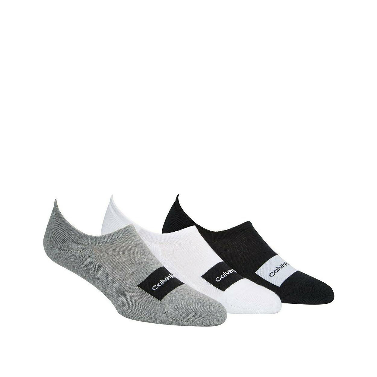 Lot de 3 paires de chaussettes basses calvin klein en coton mélangé stretch noir, gris et blanc vendues dans une trousse