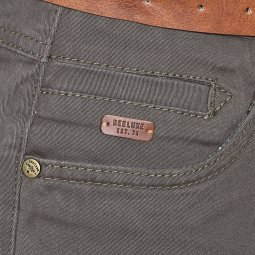 Short chino Deeluxe Est. 74 City en coton stretch kaki avec ceinture marron