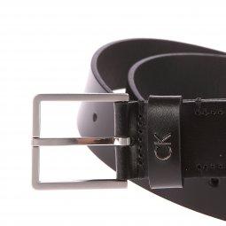 ... Ceinture Calvin Klein Jeans Formal en cuir noir lisse à boucle argentée  carrée f166215e1c3