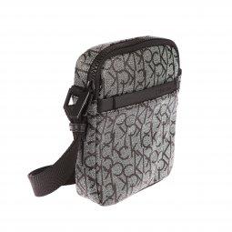 ... Sacoche Calvin Klein Jeans Mono Mini Reporter gris chiné monogrammée en  noir ... 14cdf9d5b29