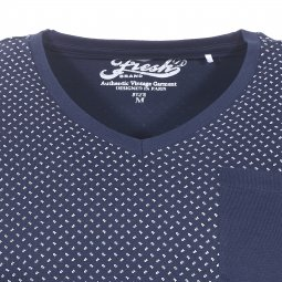 Tee-shirt col V The Fresh brand bleu marine à petits tirets blancs