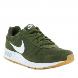 Baskets Nike Nightgazer kaki