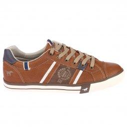 b6f71fe55e0 Baskets Mustang en cuir synthétique marron à détails bleu marine et blancs  ...
