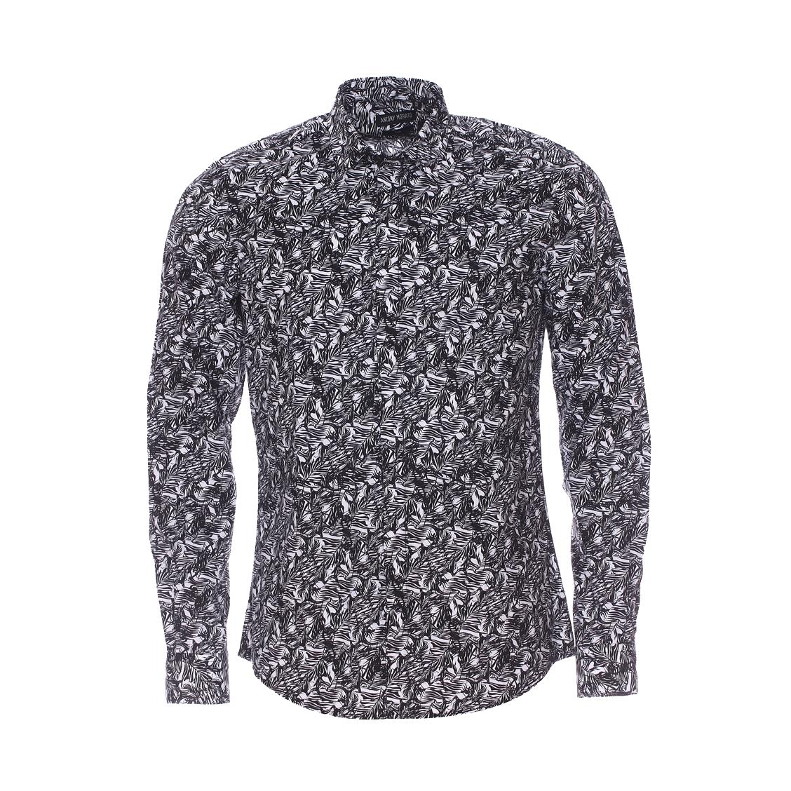 Chemise cintrée  en coton blanc à motifs feuillages noirs