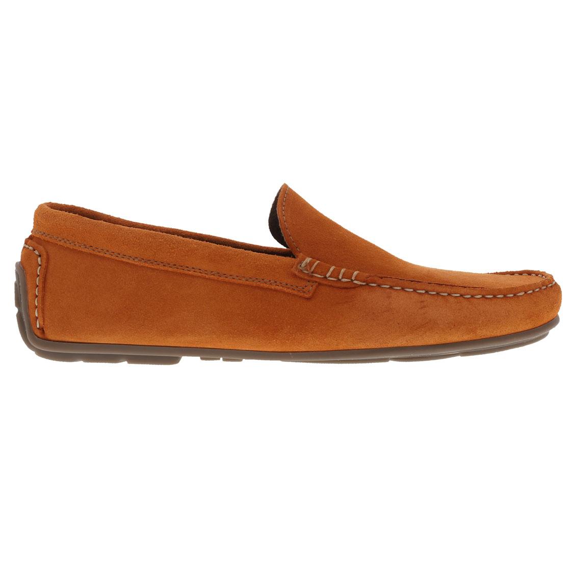 Chaussures bateau en croute de cuir orange. Chaussures bateau en croute de cuir orange