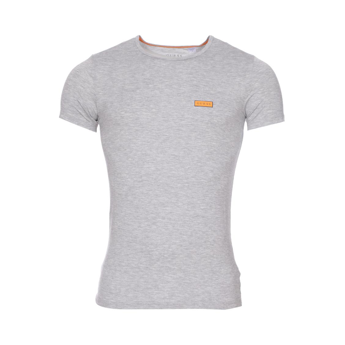 Tee-shirt col rond guess en lyocell stretch gris chiné à logo bleu marine sur fond orange