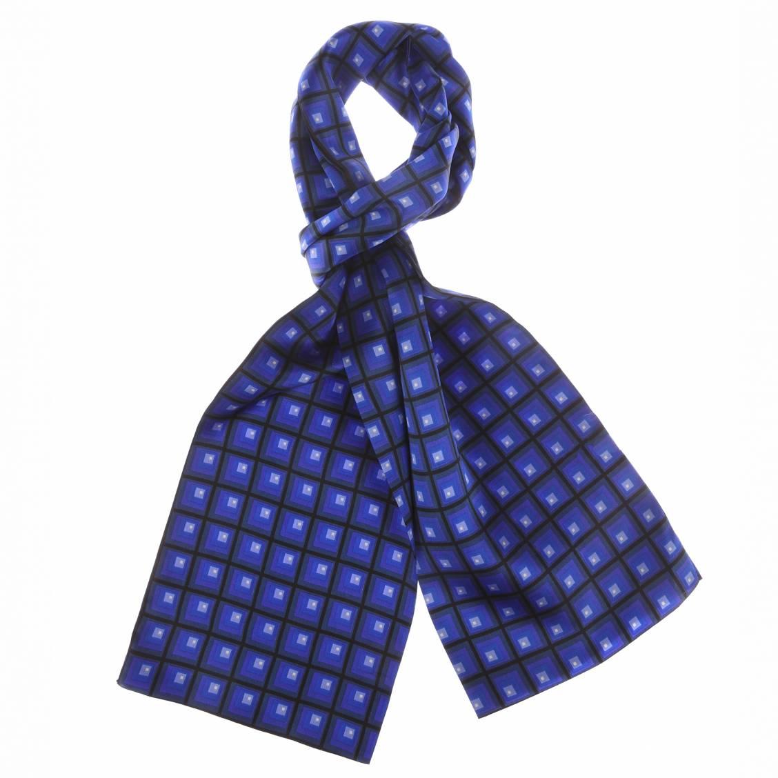 echarpe en soie indigo motifs carr s bleus rue des hommes. Black Bedroom Furniture Sets. Home Design Ideas