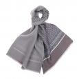 Echarpe en laine et soie Gris clair à motifs fleuris bleu ciel et blancs