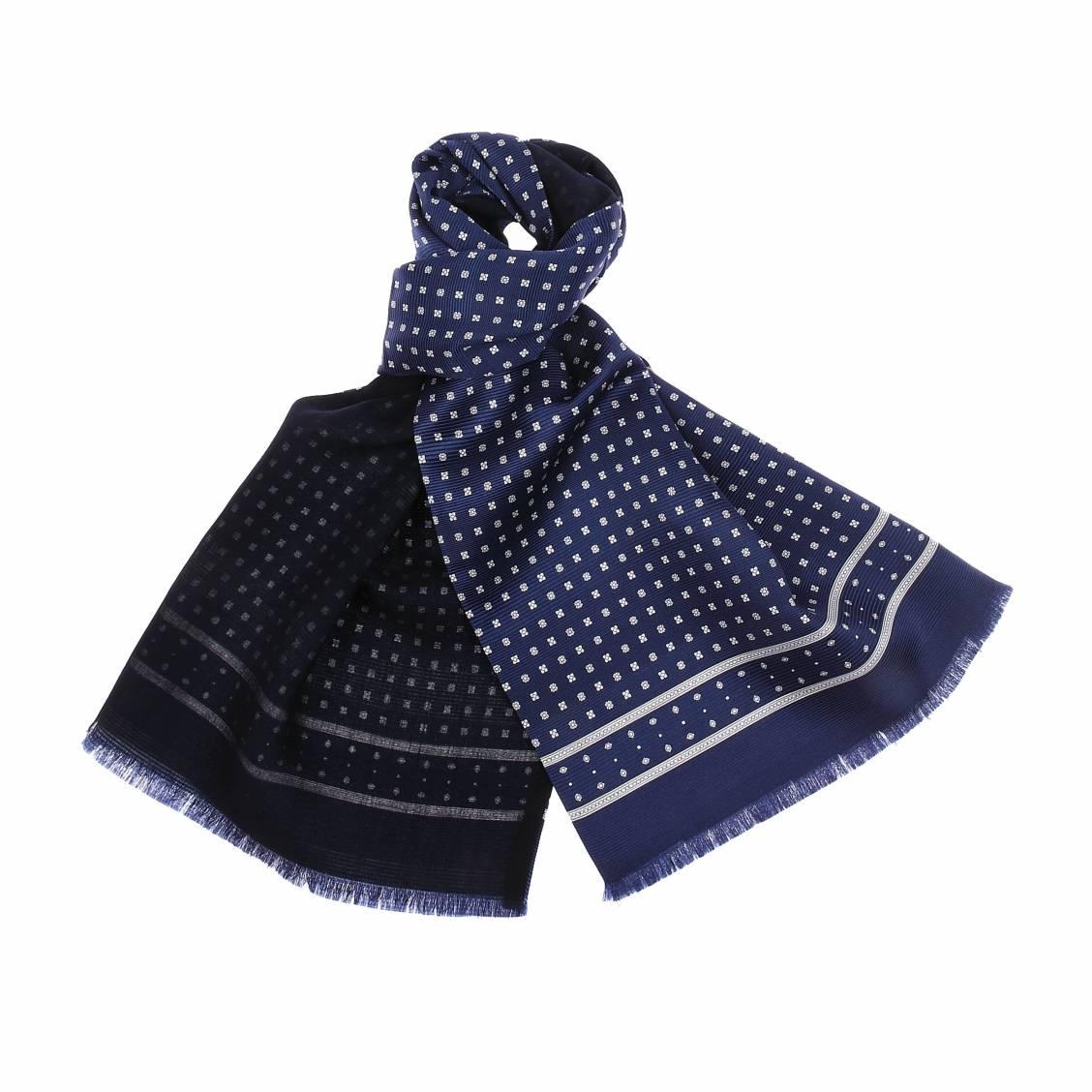 echarpe en soie et laine bleu nuit petites fleurs blanches rue des hommes. Black Bedroom Furniture Sets. Home Design Ideas