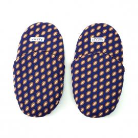 Pantoufles Arthur en coton bleu marine à motifs ballons de rugby
