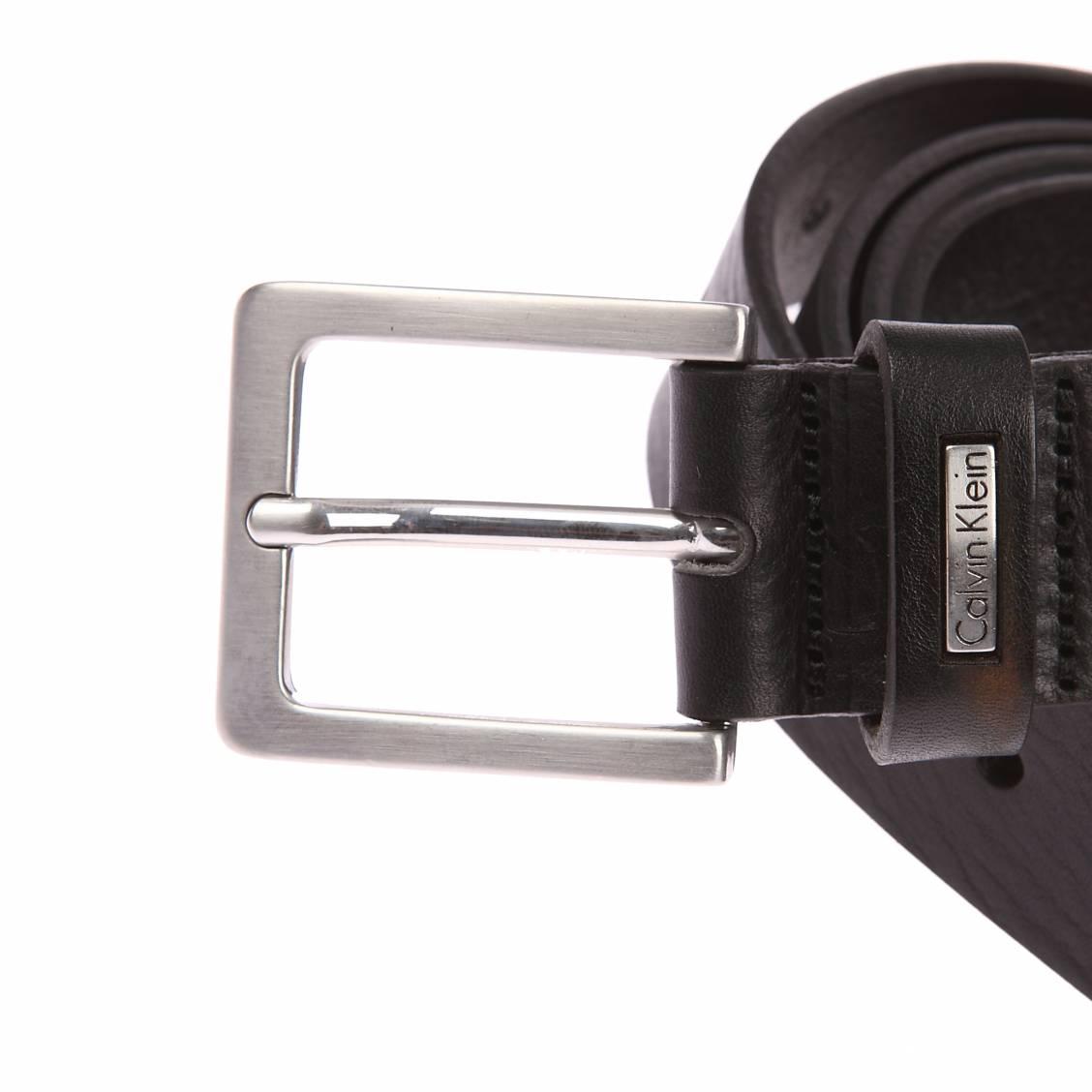 a54f79a18a13 Ceinture Calvin Klein Jeans Mino Belt 3 en cuir noir à boucle ...