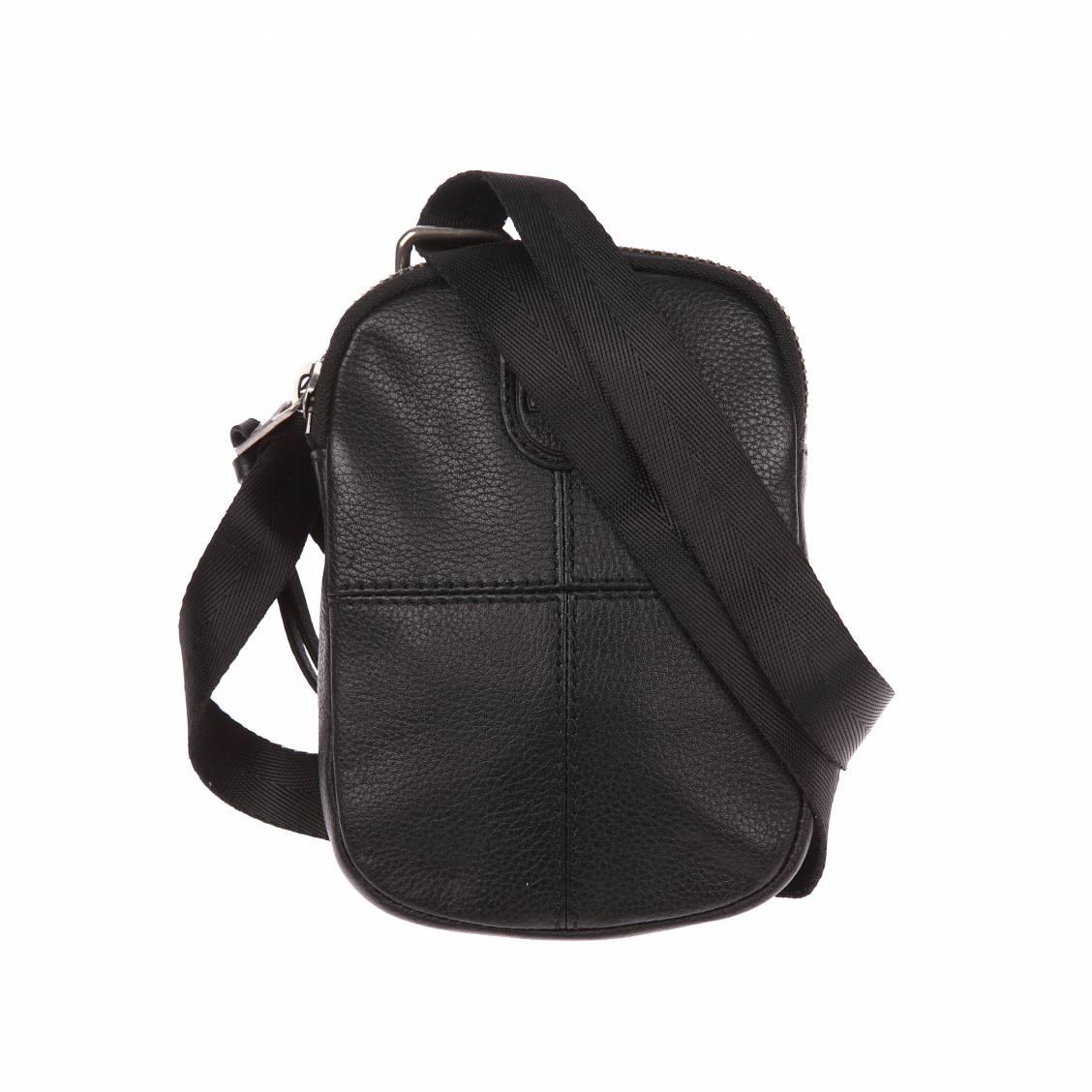 Sacoche plate zippée à bandoulière  en cuir noir texturé et surpiqûres ton sur ton