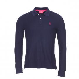 Polo manches longues Vicomte A en coton pima bleu marine uni et logo brodé en rose fuchsia