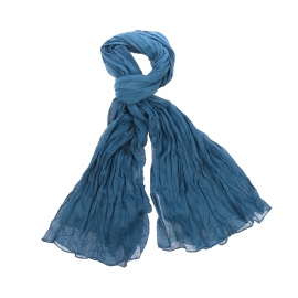 Chèche Pierre Cardin en coton bleu canard, effet froissé