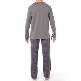 Pyjama long HOM Marc : Tee-shirt col V manches longues gris et pantalon bleu marine motifs gris, orange, jaunes et turquoise