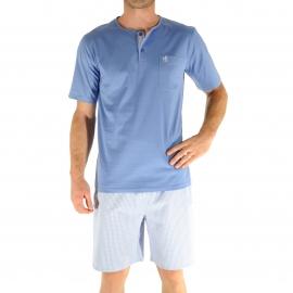 Pyjama court Christian Cane Nicolas :  Tee-shirt col tunisien bleu clair et short à carreaux bleu ciel et blancs