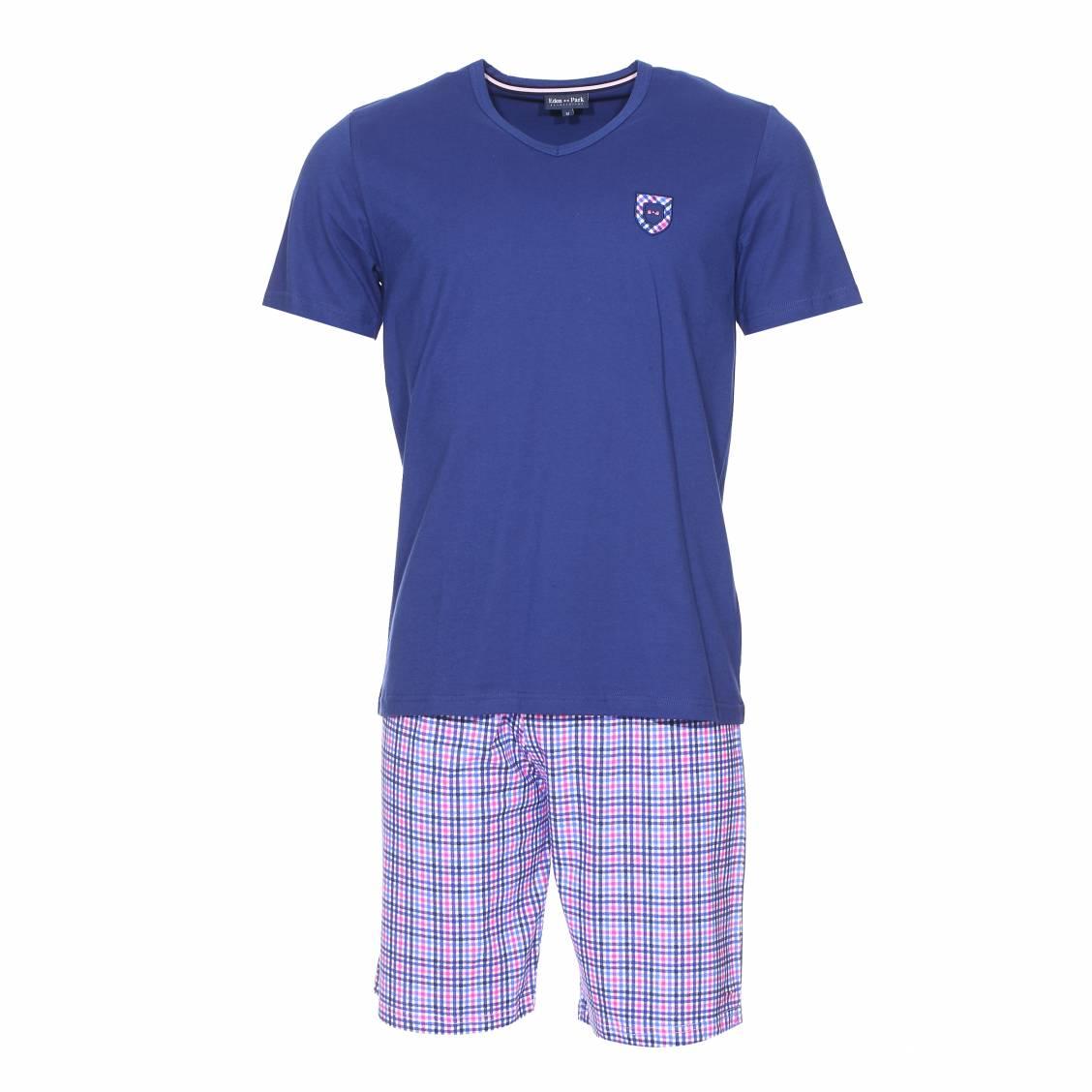 Pyjama court  en coton : tee-shirt bleu fonc� � �cusson et short � petits carreaux bleus et roses