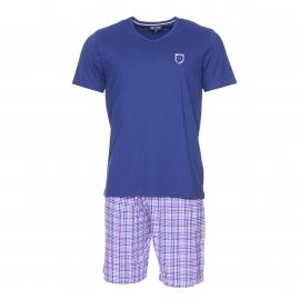 Pyjama court Eden Park en coton : tee-shirt bleu foncé à écusson et short à petits carreaux bleus et roses