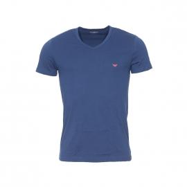 Tee-shirt col V Emporio Armani en coton bleu nuit, logo Eagle rouge