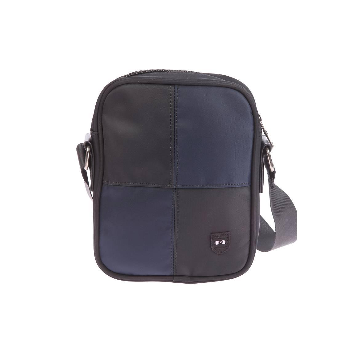 Sacoche zipp�e port� crois�  en toile � damier noir et bleu marine