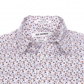Chemise cintrée Ben Sherman en coton blanc à fleurs bleu marine et marron